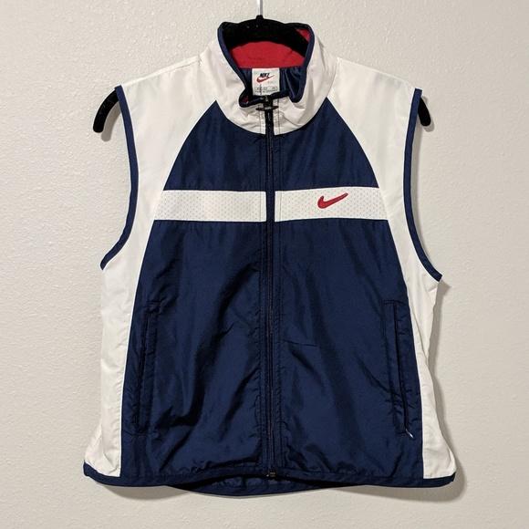 02ee1e2203 Vintage Nike Windbreaker Vest in Red